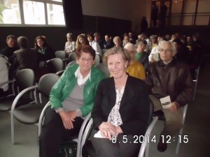 Martina mit Karin Lechner beim Symposium – 8. Mai Haus am Bibowsee